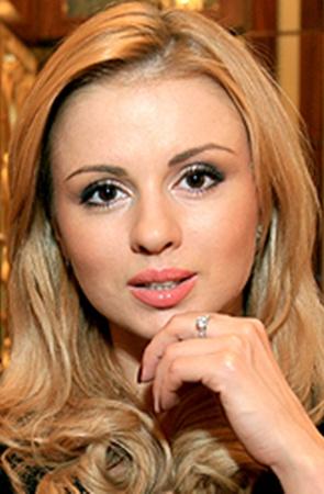 Интим фото раздетой Анна Семенович. Голая Анна Семенович показывает свои прелести
