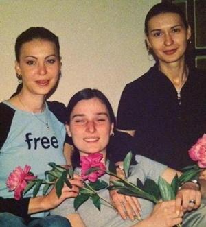 Лагода в молодости с сестрой Ириной и подругой.