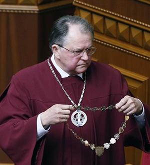 Глава Конституционного суда Украины Юрий Баулин. Фото: УНИАН