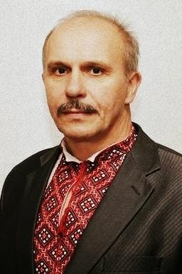 52-летний учитель физики из Хмельницкой области погиб  20 февраля на улице Институтской от пули снайпера, когда выносил раненых. Всю жизнь он увлекался историей Украины, историей казачества, был членом