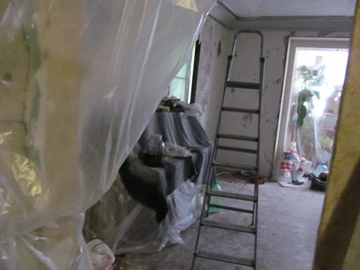 Вот такая разруха царит в квартире Ирины. Фото: Ирина ЗОЗУЛЯ