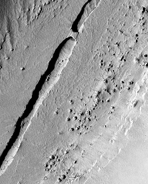 Сюда планируют послать нового робота. Фото зонда Mars Reconnaissance Orbiter.