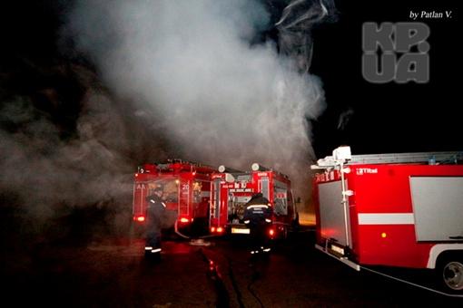 На месте ЧП работали десятки пожарных машин. Фото: Владимир Патлан.