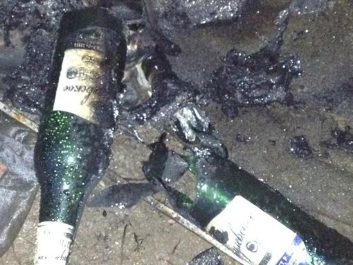 Милиция выясняет, что за горючее было в бутылках. Фото: взято из социальных сетей.