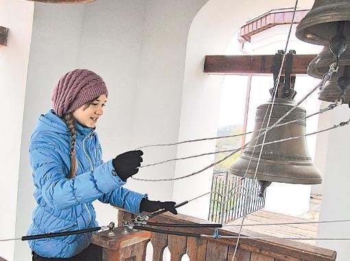 Иванна Фищук на колокольне с 11 лет. Фото: автор.