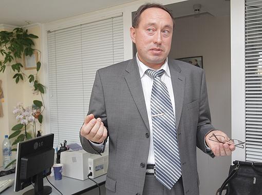 Владимир Вартузов: - Мы вносим в реестр ДНК-профили убийц, насильников. Фото: Максим ЛЮКОВ.