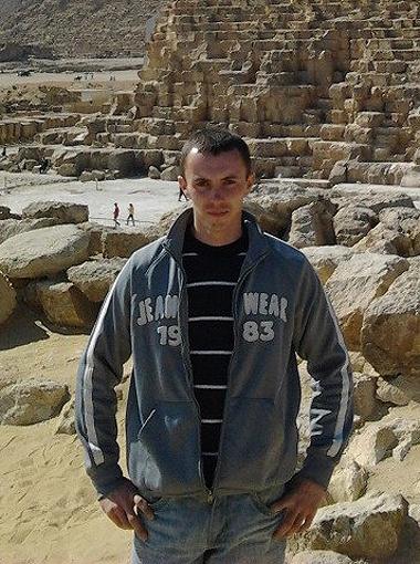 Матрос Александр Малочкин умер от переохлаждения на борту спасательного самолета. Фото: