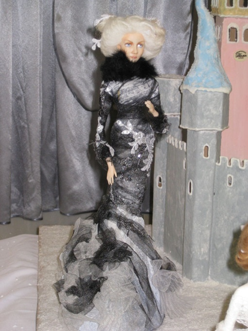 Некоторые куклы стоят около 8 тысяч гривен.