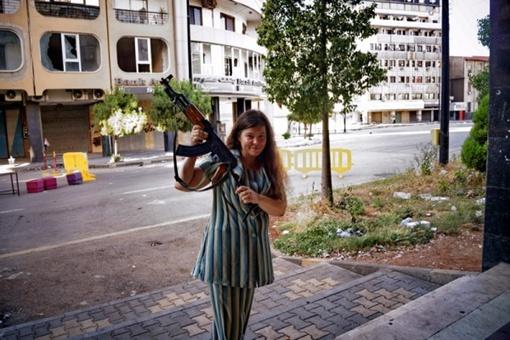 Анхар с автоматом. Фото Facebook.com