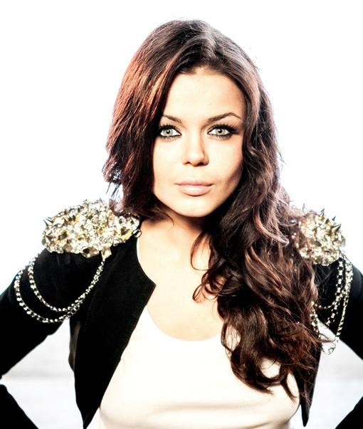 В 18 лет Алина Гросу превратилась в настоящую красотку. Фото предоставлено пресс-службой певицы.