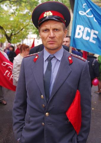 Месяц назад рокер снялся в роли провинциального милиционера. Фото: Алексей Кравцов.