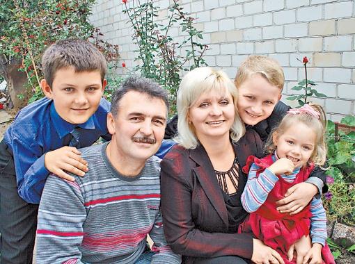 После Дудкиных взять детей на воспитание в Тростянце решились еще семь семей.