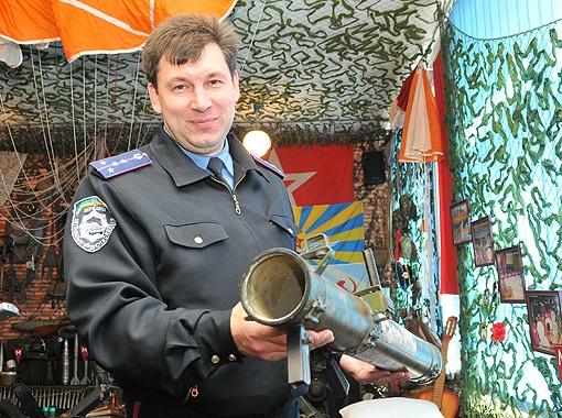 Изюминкой коллекции Роман считает снаряды от ракетной установки