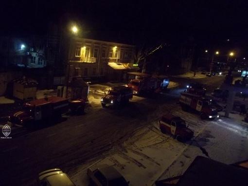 На месте ЧП работали 8 пожарных расчетов. Фото: Топик