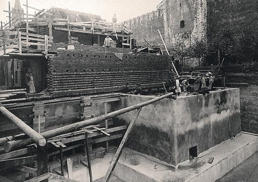 Возведение подвальных помещений Мавзолея. В основании - толстая железобетонная плита Фото: архив ФСО