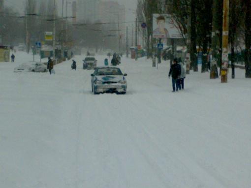 Снежные тропы вместо дорог