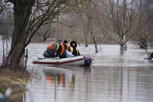 Жители области благодарны спасателям за помощь. Фото ГУ ГСЧС в Ивано-Франковской области
