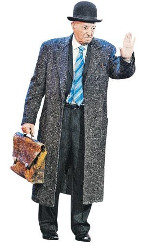 В 90 лет Этуш - как огурец; готов и на сцене играть, и в кино сниматься. Фото: Евгения ГУСЕВА.