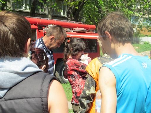 После пожара 10 пострадавших, среди которых было четверо детей, доставили в