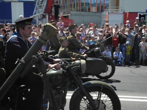 Военной техники в колонне было не много. Фото: Елена СОРОМИТЬКО