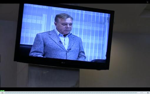 ечерский райсуд под руководством судьи Оксаны Царевич начал видео-допрос свидетеля Петра Кириченко.