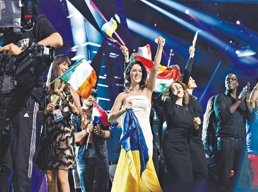 О том, что Злата прошла в финал, украинская делегация узнала предпоследней. Поэтому и радовались наши больше других! Фото: eurovision.tv.