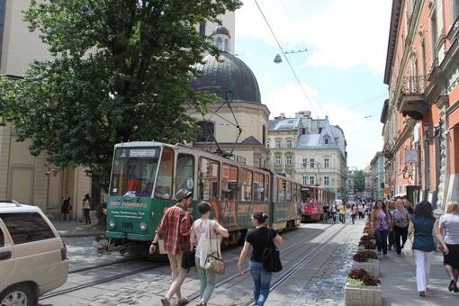 Площадь Рынок стала пешеходной: трамваи не могли передвигаться по своих маршрутах
