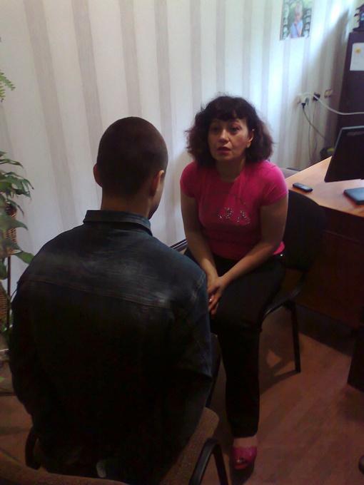 Ярославу, который привел приятелей в дом Жени, грозит пожизненное заключение. Фото автора и горуправления милиции Днепродзержинска.