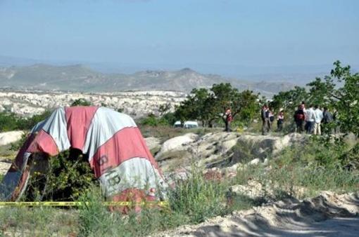 Кападокия пользуется спросом у туристов - здесь ежегодно проходят массовые полеты на воздушных шарах. Фото - hurriyet.com.tr