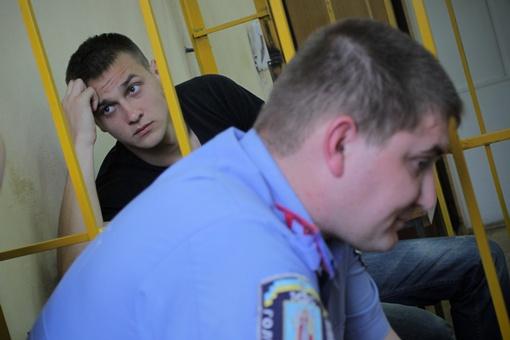 В суде задержанный вел себя прилично. Фото Олега Терещенко