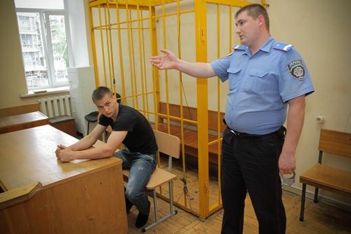 Если Титушко не внесет залог, то опять будут судить. Фото Олега Терещенко