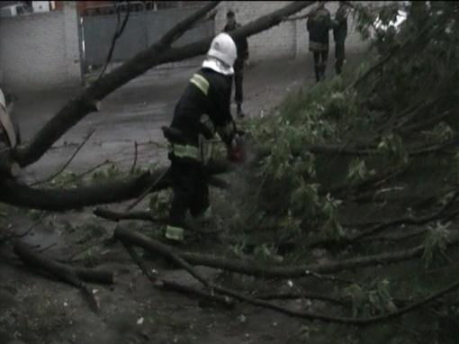 ...а спасатели до сих пор ликвидируют последствия. Фото: ГУ ГСЧС в Ровенской области.