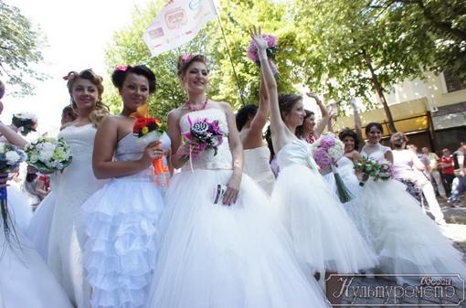 Парад невест - праздник, придуманный московским фотографом. Фото: сайт culturemeter.od.ua