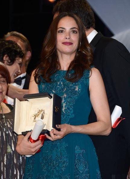 Беренис Бежо и ее пальмовая ветвь. Фото: www.starslife.ru