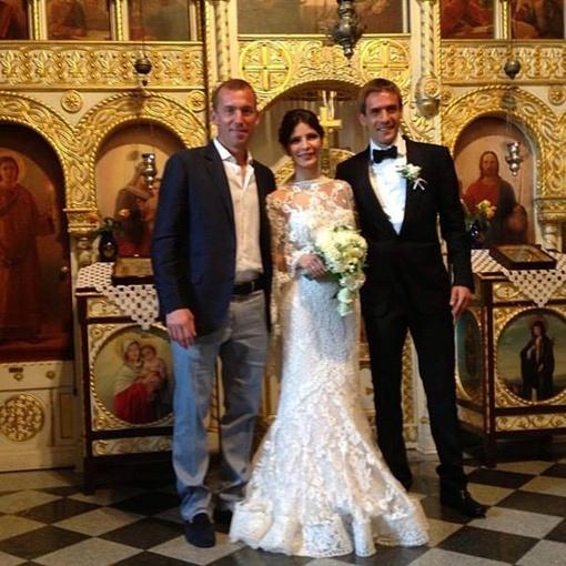 Молодые сперва обвенчались, потом оформили документы. Фото: Инстаграм Александра Горяинова.