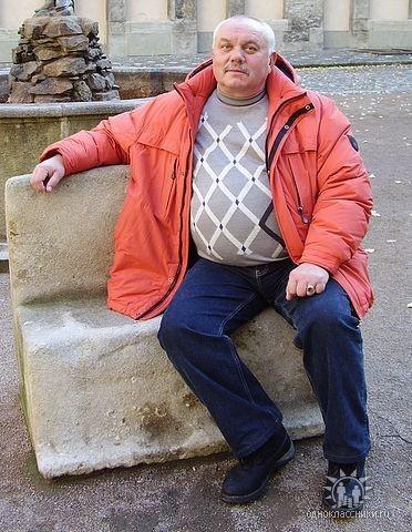 Хорошая репутация и большой стаж работы не помогли Владимиру Кремкову уйти от ответственности. Фото: семейный архив, УМВД в Черниговской области.