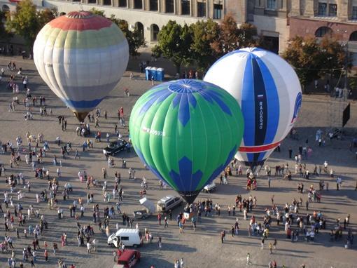 На массовые праздники шары в Харьков привозят из Феодосии и России. Фото: Личный архив Валерии Пономаренко.