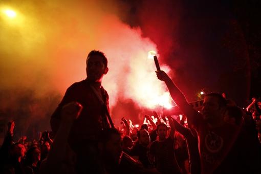 В Турции вторую неделю продолжаются столкновения демонстрантов с полицией Фото: REUTERS