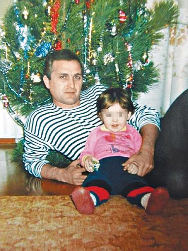 У Февзи Эдемова остались жена и маленькая дочка. Фото: личный архив семьи Эдемовых.