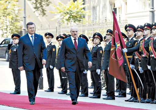 Виктор Янукович и Александр Лукашенко часто встречаются