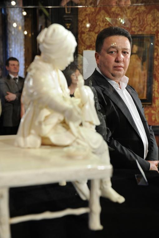 Стоимость миниатюрных скульптур из собрания нардепа не разглашают
