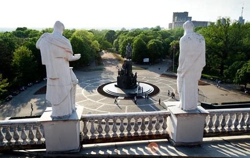 Крыши, подъемные краны и антенны - лучшие друзья Павла Иткина. С их высоты он делает снимки необыкновенной красоты. Фото предоставлены Павлом Иткиным.