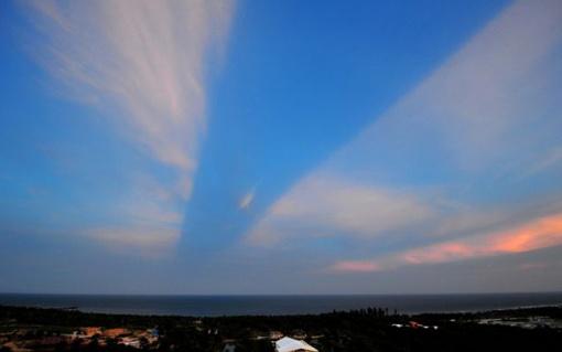 Дороги в небесах появляются не каждый день. Фото: Синьхуа