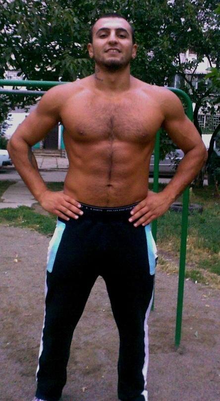 Чемпион мира по тайскому боксу Эдгар Арутюнян. Фото: vk.com