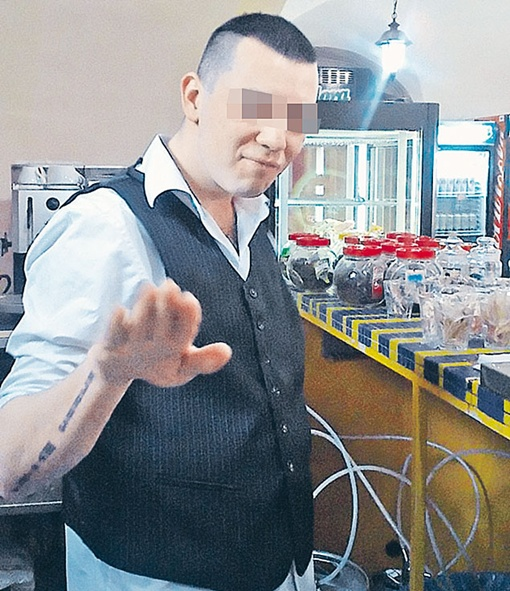 24-летний безвременно погибший Миша не скрывал своих политических увлечений и выставлял фото в соцсети. Фото: социальные сети.