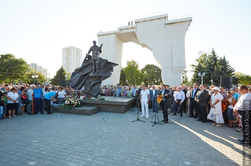 Фото: Юрий ЗИНЕНКО и сайт Харьковского горсовета.