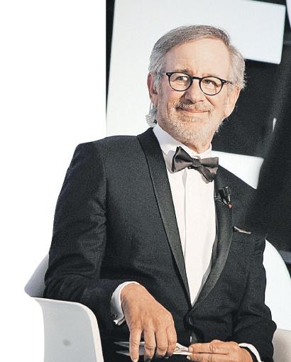 Стивен с доходом в $100 млн, как настоящий джентльмен, уступил пальму первенства женщине. Фото: globallookpress.com.