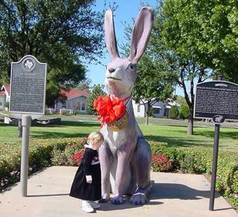 В Техасе установлена самая большая в мире статуя кролика