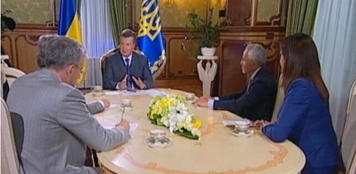 Президент дал интервью ведущим телеканалам