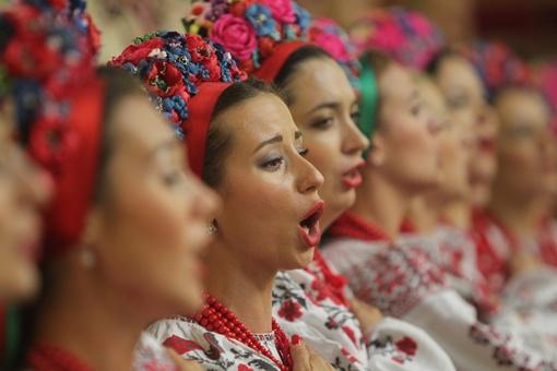 Депутаты предлагают каждое утро вставать и молиться, исполняя духовный гимн Украины. Фото Олега Терещенко